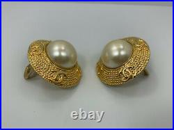 CHANEL Vintage Faux Pearl Earrings withGold Settings