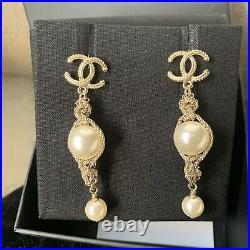 Chanel pearl Necklace, Bracelet, Earrings Matching Set