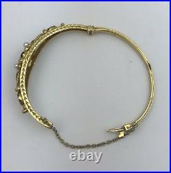 Pretty 9ct Gold, Garnet & Pearl Set Bangle. 16.6 Grams