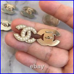 Set Of 6 Chanel Stamped Button 21.816mm Pearl Gold Metal